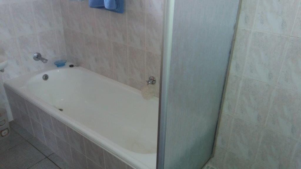 Scottburgh property for sale. Ref No: 13327328. Picture no 9