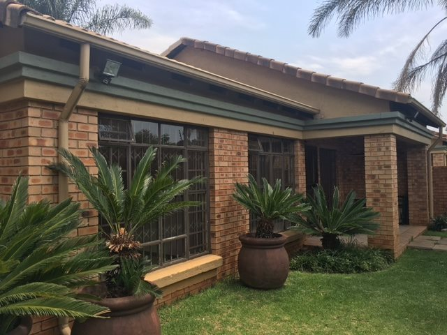 Centurion, Die Hoewes Property  | Houses To Rent Die Hoewes, Die Hoewes, Townhouse 3 bedrooms property to rent Price:, 13,00*