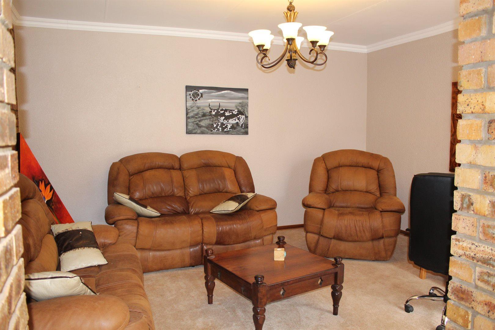 Van Der Hoff Park property for sale. Ref No: 13440444. Picture no 4