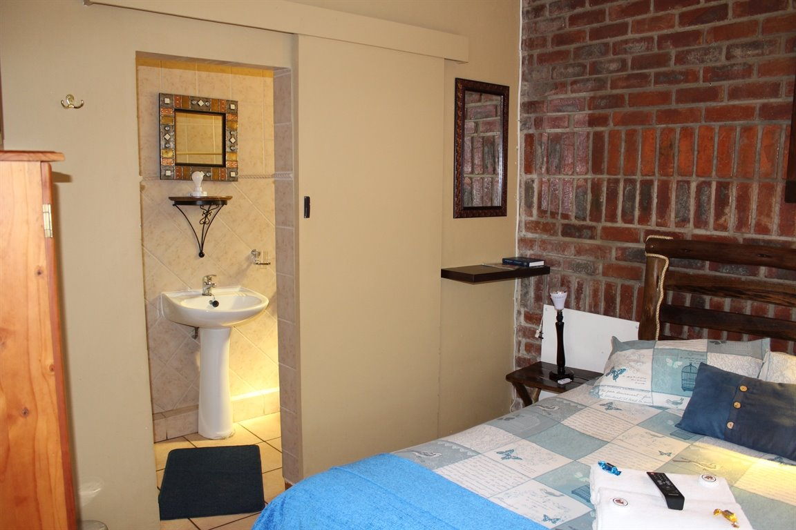 Potchefstroom Central property for sale. Ref No: 13388086. Picture no 7
