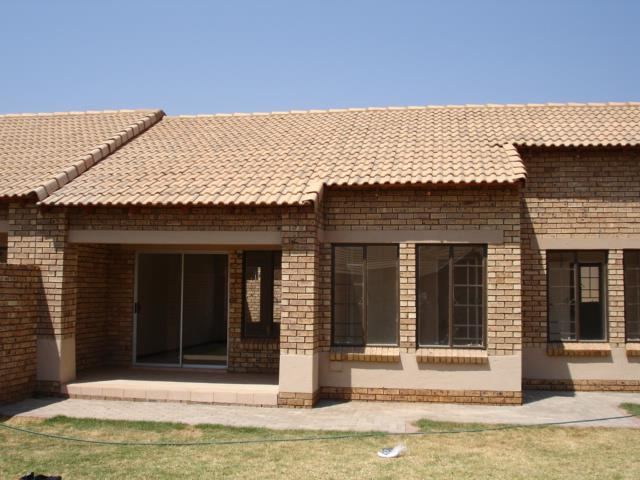 Property and Houses to rent in Gauteng - Page 5, Townhouse, 2 Bedrooms - ZAR ,  7,00*,M