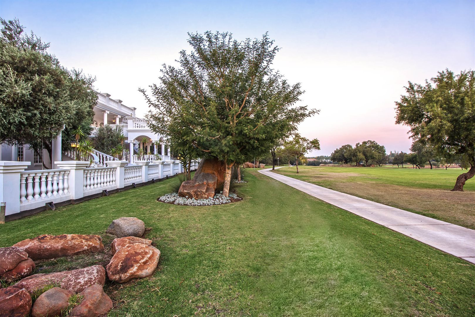 Silver Lakes Golf Estate property to rent. Ref No: 13549585. Picture no 24