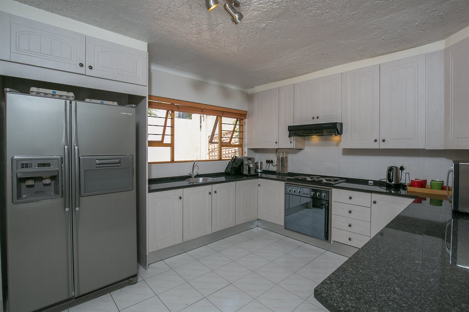 Fourways Gardens property for sale. Ref No: 13537425. Picture no 4