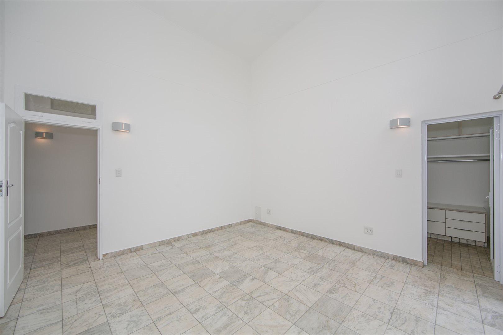 Fourways property to rent. Ref No: 13541041. Picture no 11