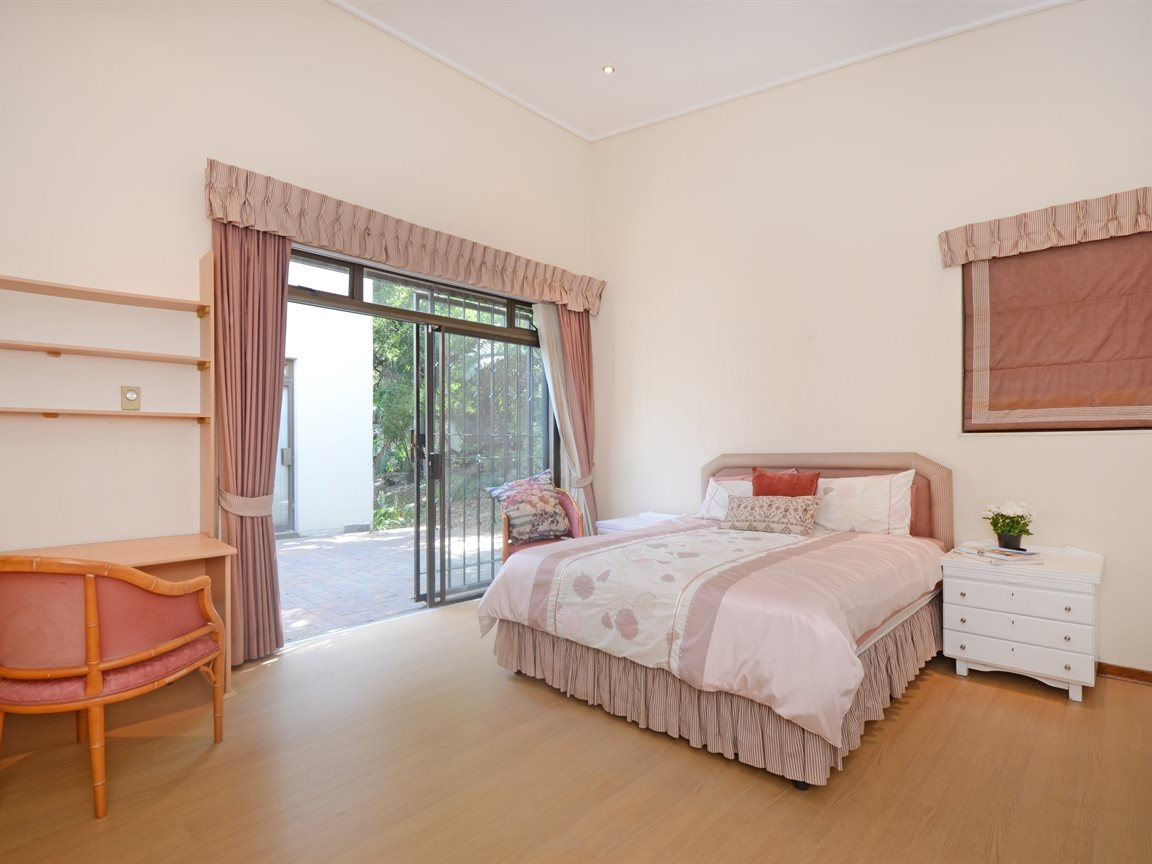 Atholl property for sale. Ref No: 13396200. Picture no 8