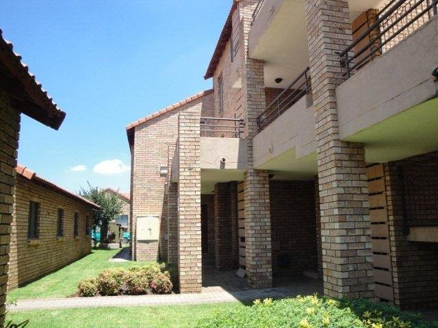 Centurion, Eco Park Estate Property  | Houses To Rent Eco Park Estate, Eco Park Estate, Townhouse 2 bedrooms property to rent Price:,  7,00*