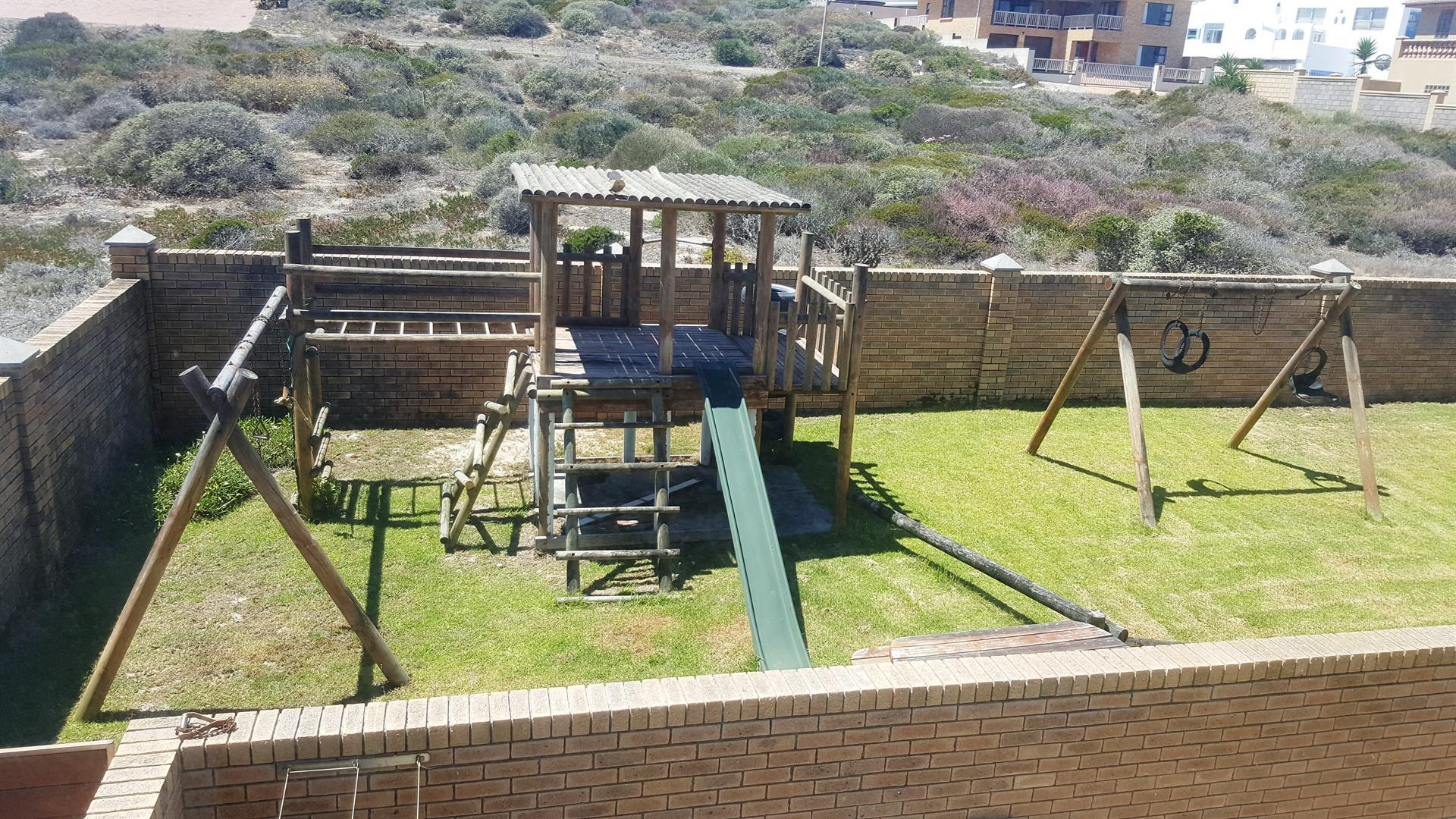 Yzerfontein property for sale. Ref No: 13442497. Picture no 45