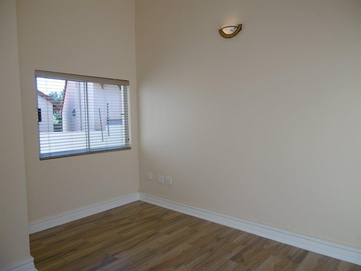 Bryanston property for sale. Ref No: 13531296. Picture no 8