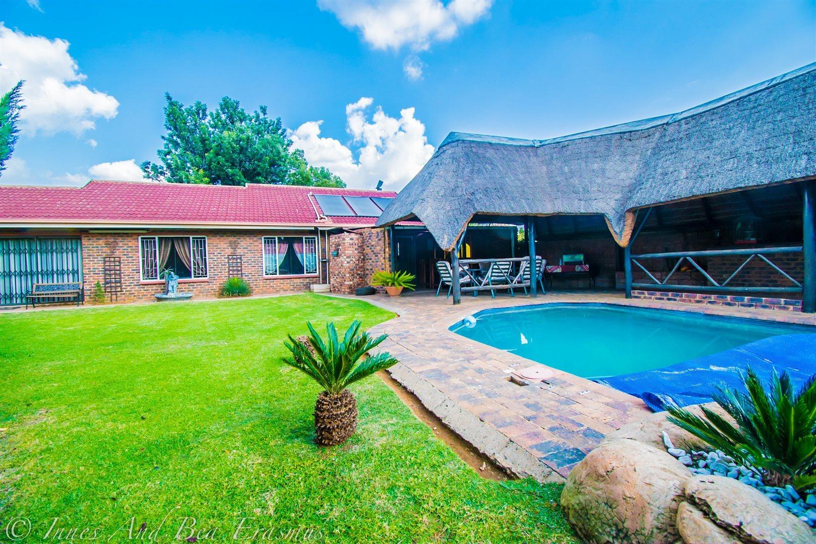 Vereeniging, Falcon Ridge Property  | Houses For Sale Falcon Ridge, Falcon Ridge, House 3 bedrooms property for sale Price:967,000