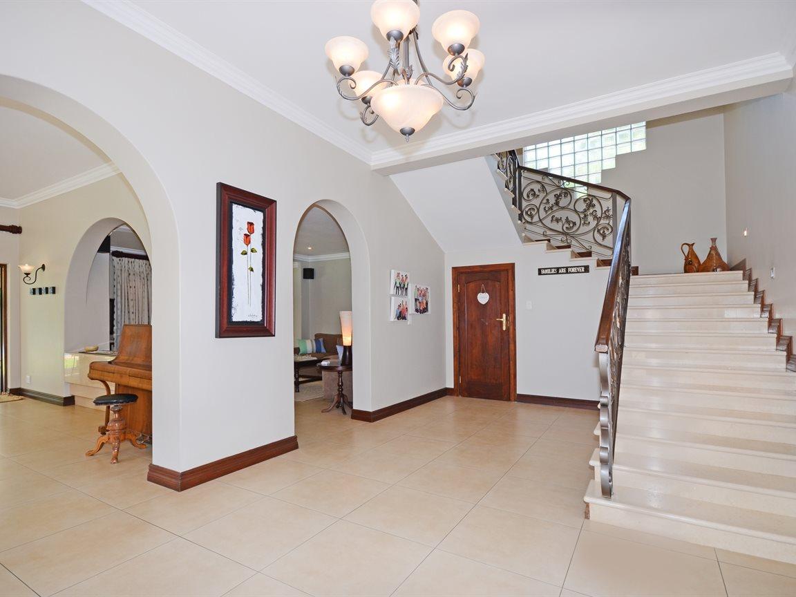 Houghton Estate property for sale. Ref No: 13429041. Picture no 8