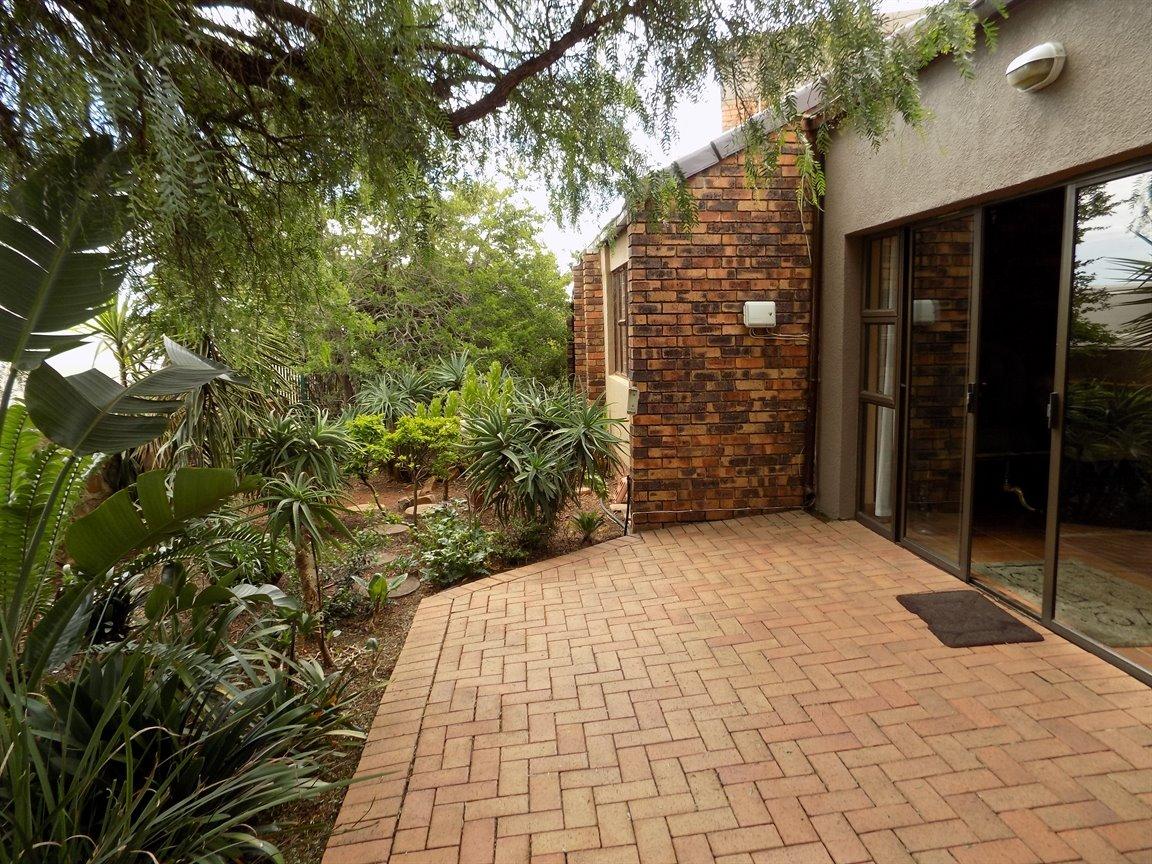 Bassonia property for sale. Ref No: 13389783. Picture no 22