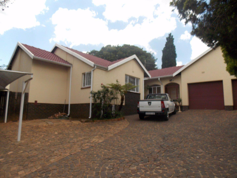 Johannesburg, Mulbarton Property  | Houses For Sale Mulbarton, Mulbarton, House 3 bedrooms property for sale Price:2,999,999