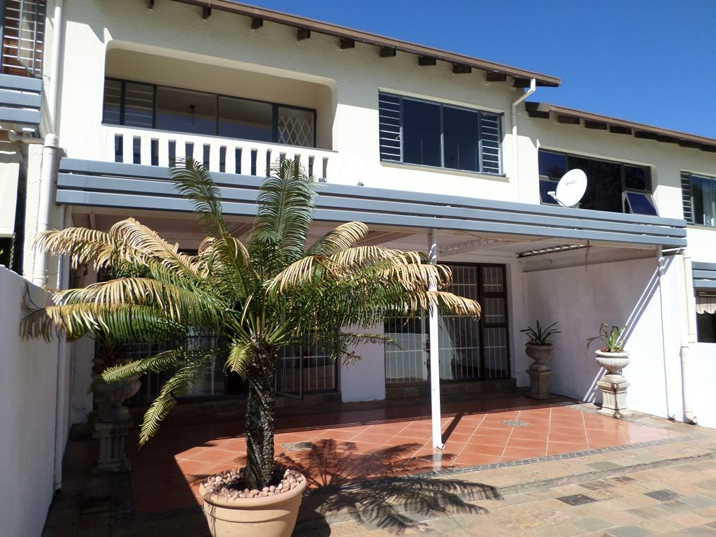 Property and Houses for sale in Waterkloof Heights - Page 2, Townhouse, 3 Bedrooms - ZAR 2,150,000