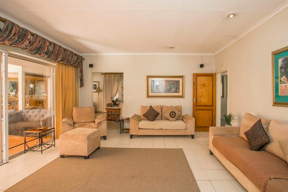 Fourways property for sale. Ref No: 13379177. Picture no 7