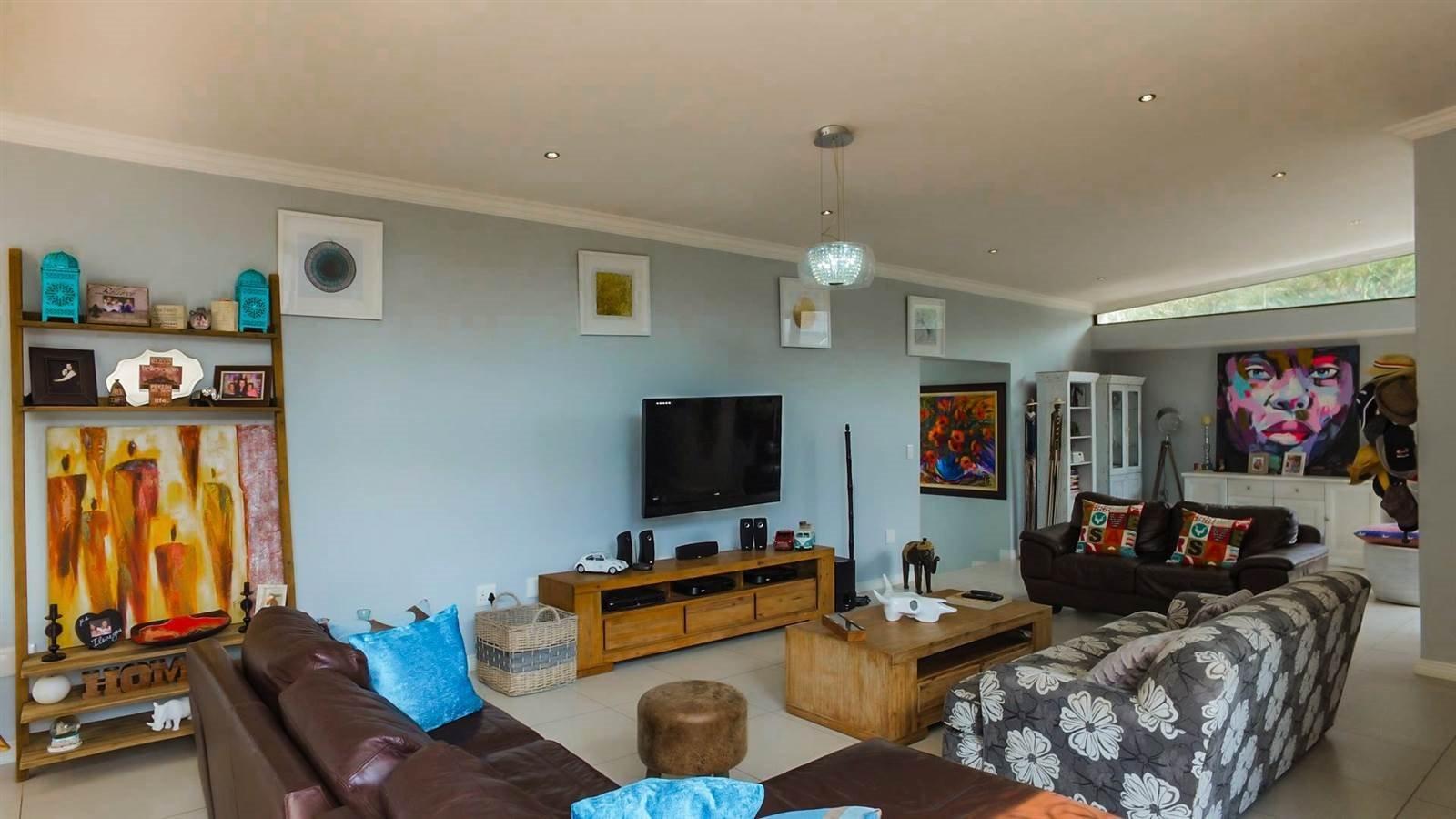 Midstream Hill Estate property for sale. Ref No: 13326880. Picture no 5
