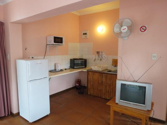 Margate property for sale. Ref No: 12725839. Picture no 8