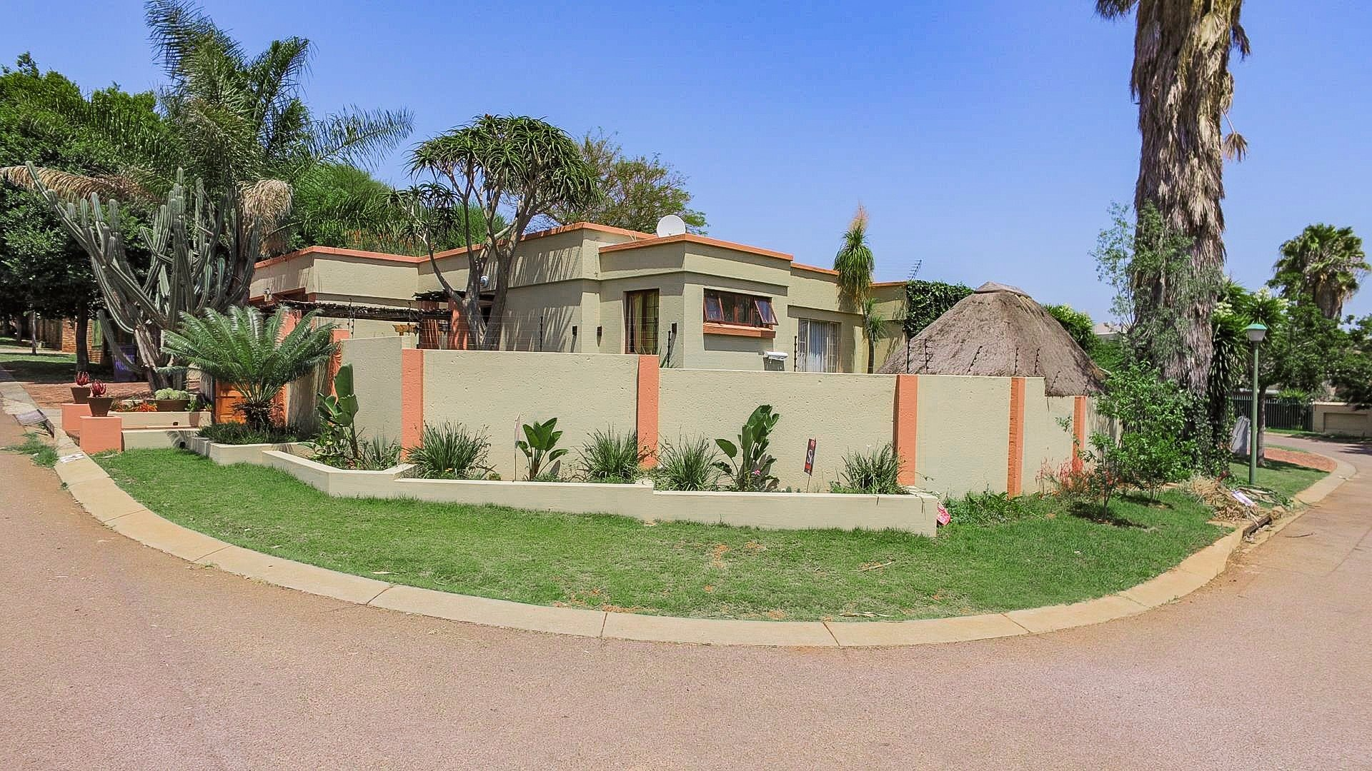 Highveld property for sale. Ref No: 13541901. Picture no 1