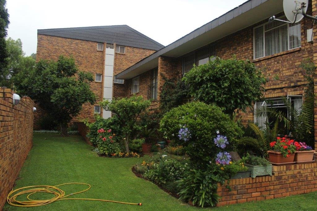 Property and Houses to rent in Eastleigh, Apartment, 2 Bedrooms - ZAR ,  7,00*,M