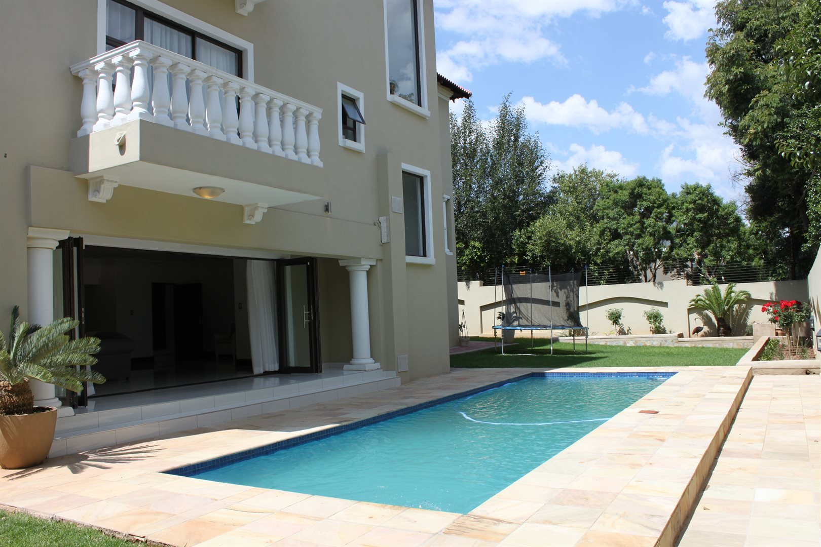 Waterkloof Ridge property for sale. Ref No: 13565299. Picture no 37