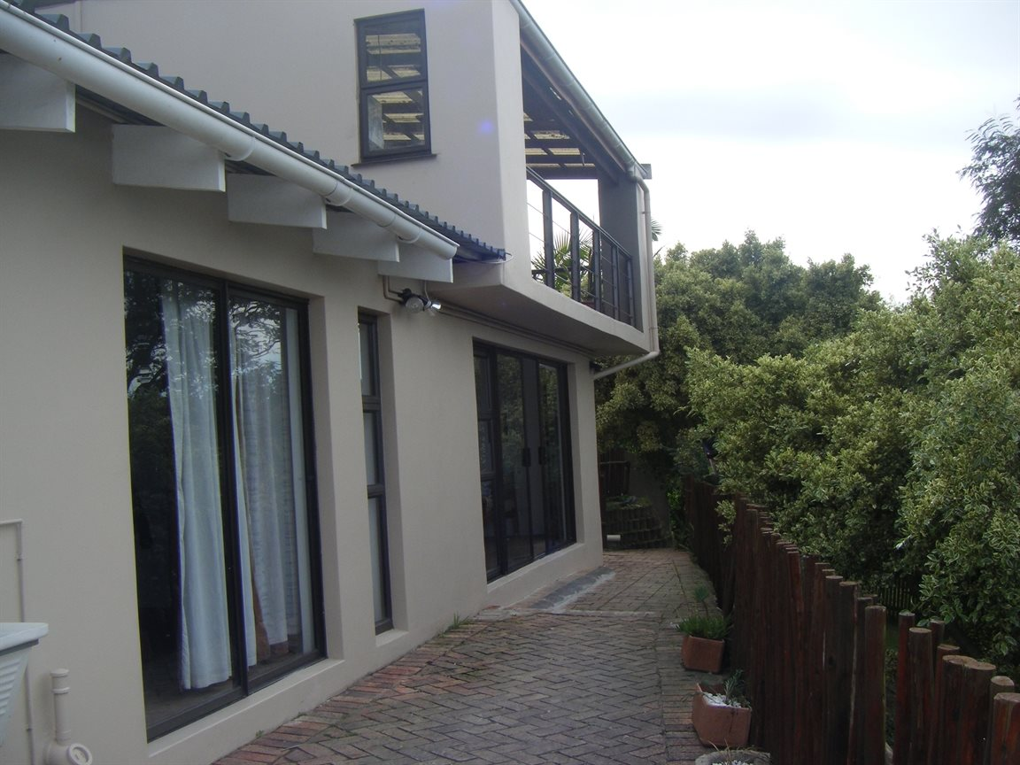 Beacon Bay property for sale. Ref No: 12799080. Picture no 9