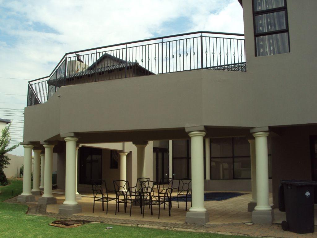 Midstream Estate property for sale. Ref No: 12781454. Picture no 3