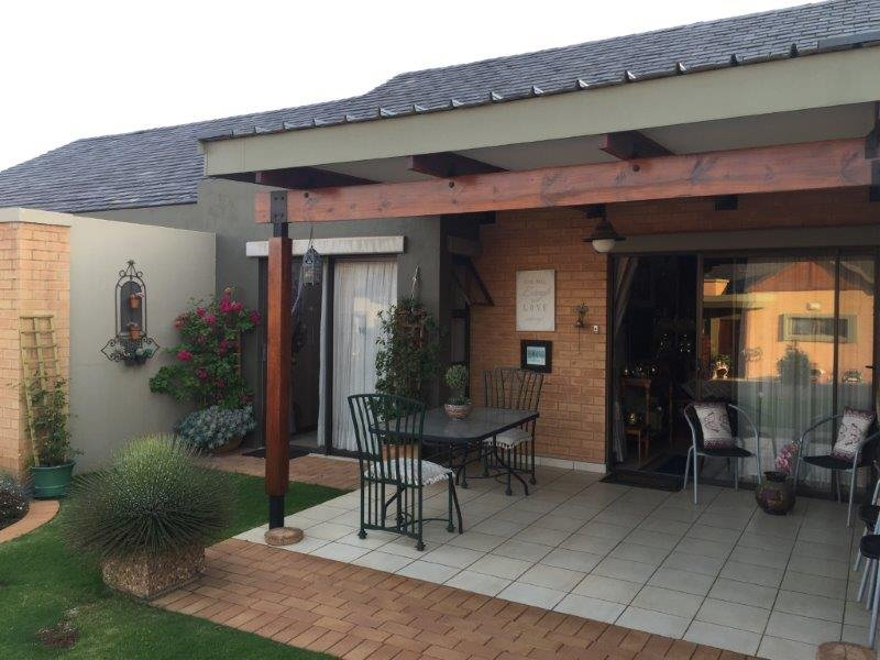 Property and Houses for sale in Retire At Midstream, Townhouse, 1 Bedrooms - ZAR 1,799,000