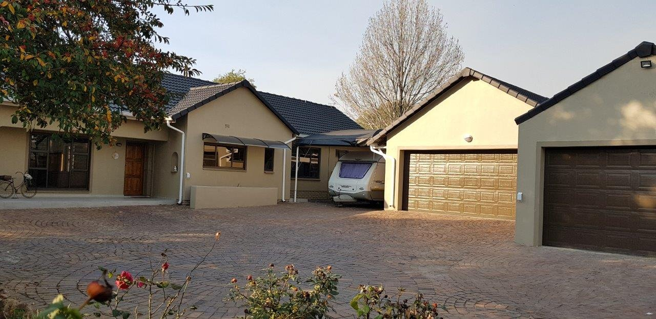 Property and Houses for sale in Brackenhurst, House, 4 Bedrooms - ZAR 2,685,000