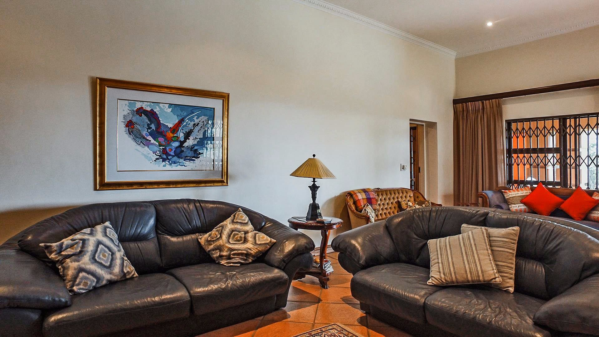 Northcliff property for sale. Ref No: 13537074. Picture no 21