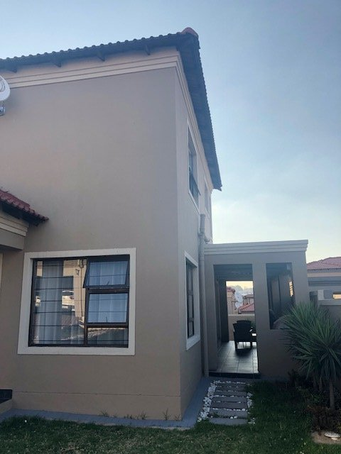 Midrand, Carlswald Property  | Houses For Sale Carlswald, Carlswald, House 4 bedrooms property for sale Price:2,000,000