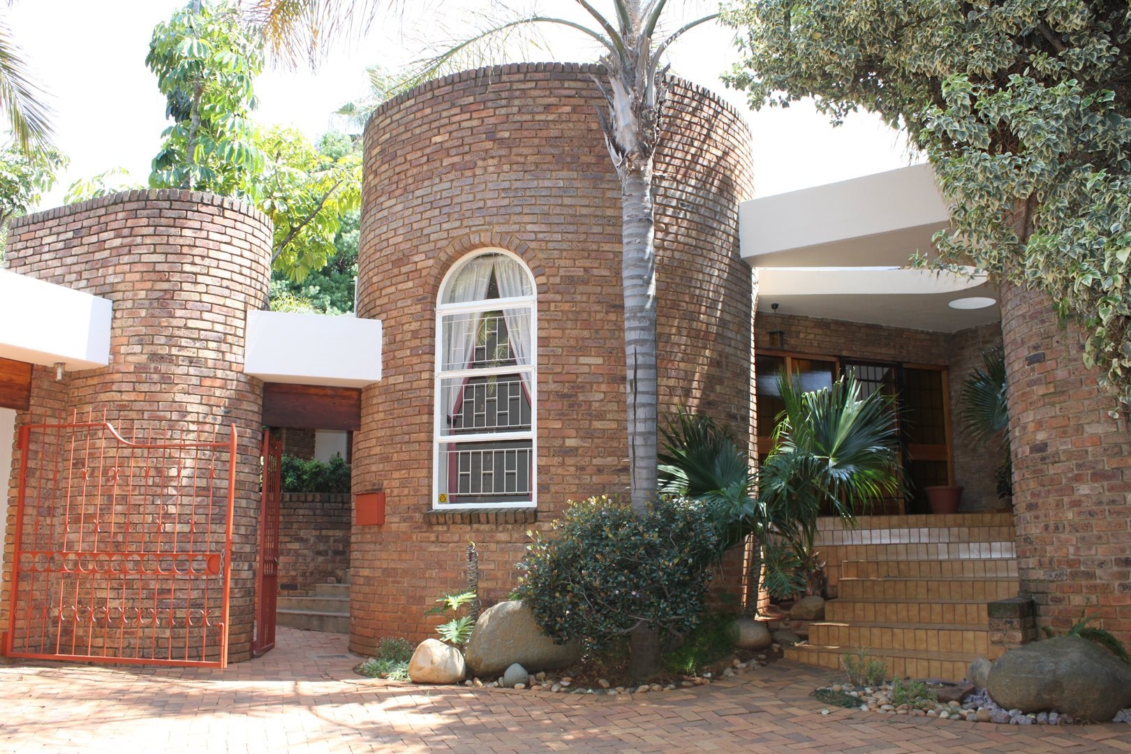 Waterkloof Ridge property to rent. Ref No: 13539553. Picture no 35