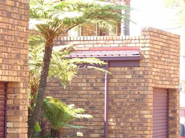 Dorandia property for sale. Ref No: 13567184. Picture no 2