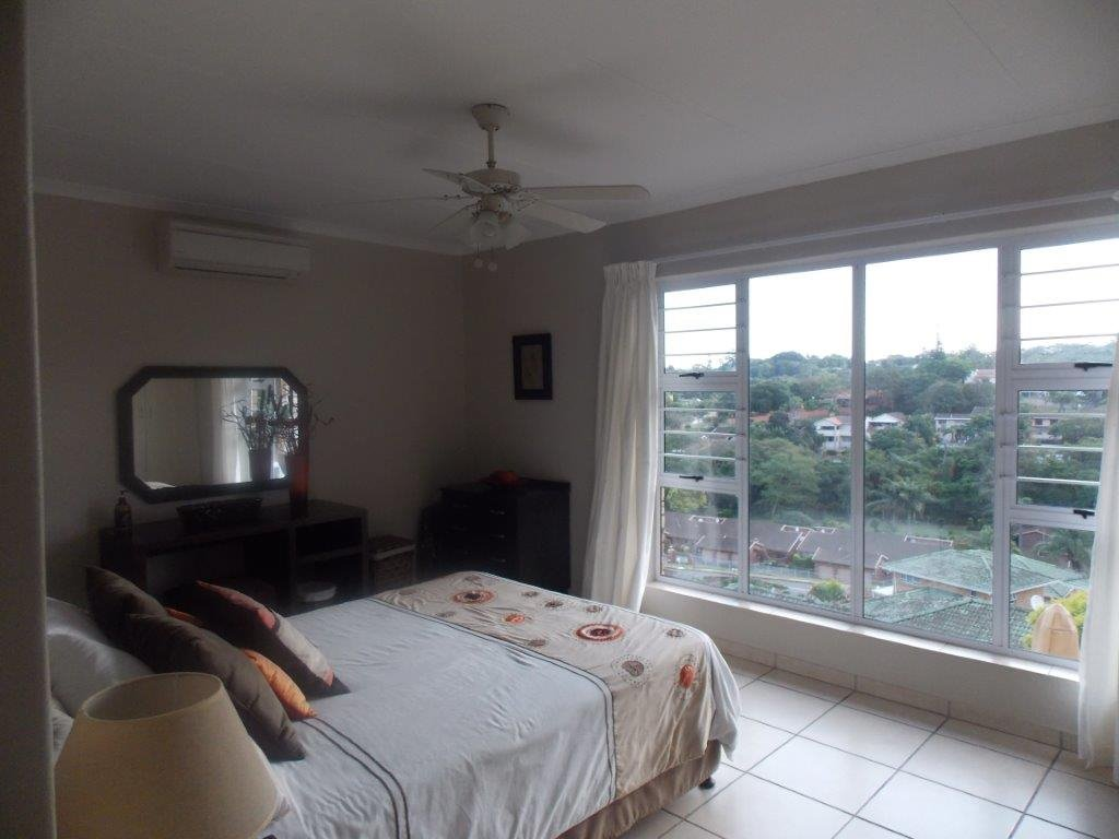 Amanzimtoti property for sale. Ref No: 13372994. Picture no 43