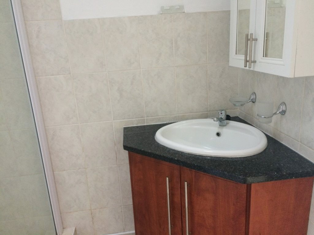 Ramsgate property for sale. Ref No: 13327301. Picture no 12