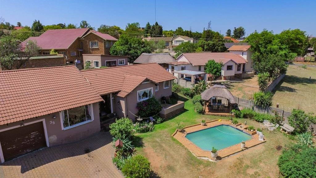 Johannesburg, Alan Manor Property  | Houses For Sale Alan Manor, Alan Manor, House 3 bedrooms property for sale Price:1,595,000