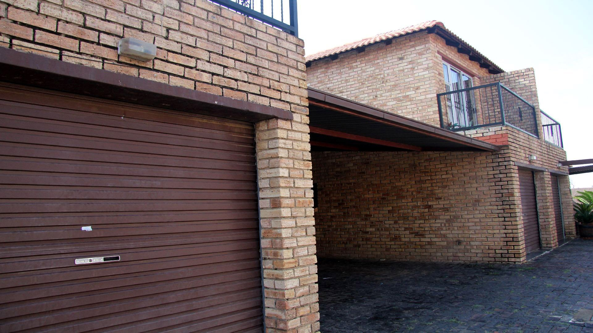 Randfontein, Eike Park Property  | Houses For Sale Eike Park, Eike Park, Townhouse 2 bedrooms property for sale Price:695,000