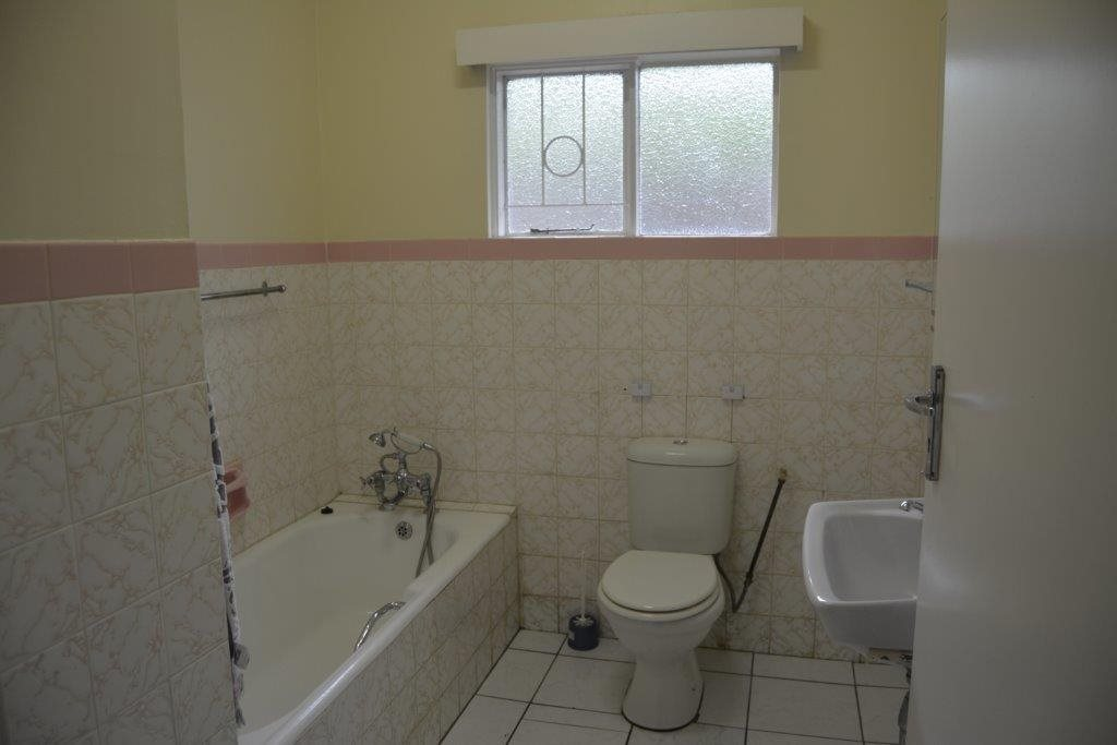 Uvongo property for sale. Ref No: 13240278. Picture no 18
