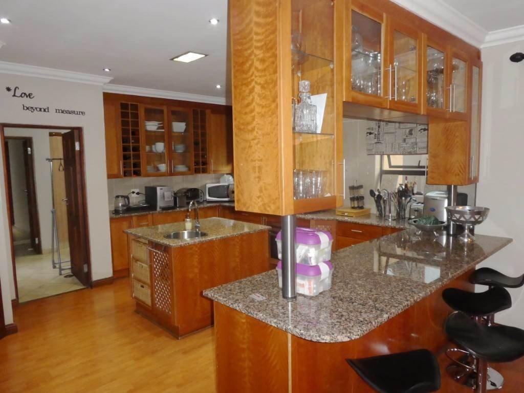 Midstream Estate property for sale. Ref No: 13506205. Picture no 8