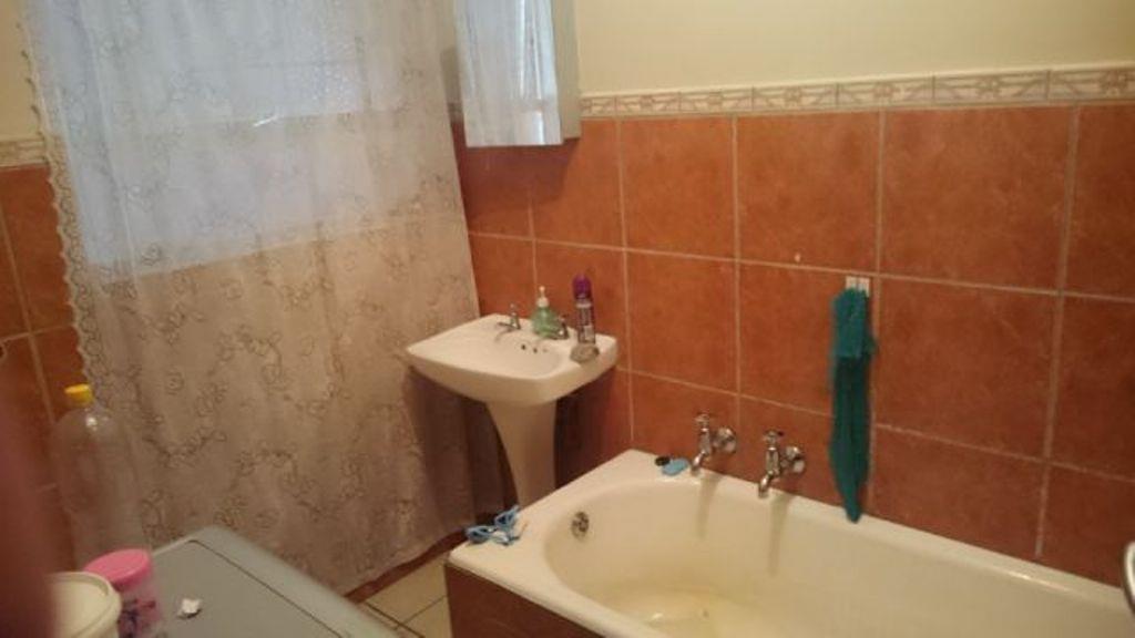 Pretoria North property for sale. Ref No: 13553021. Picture no 11