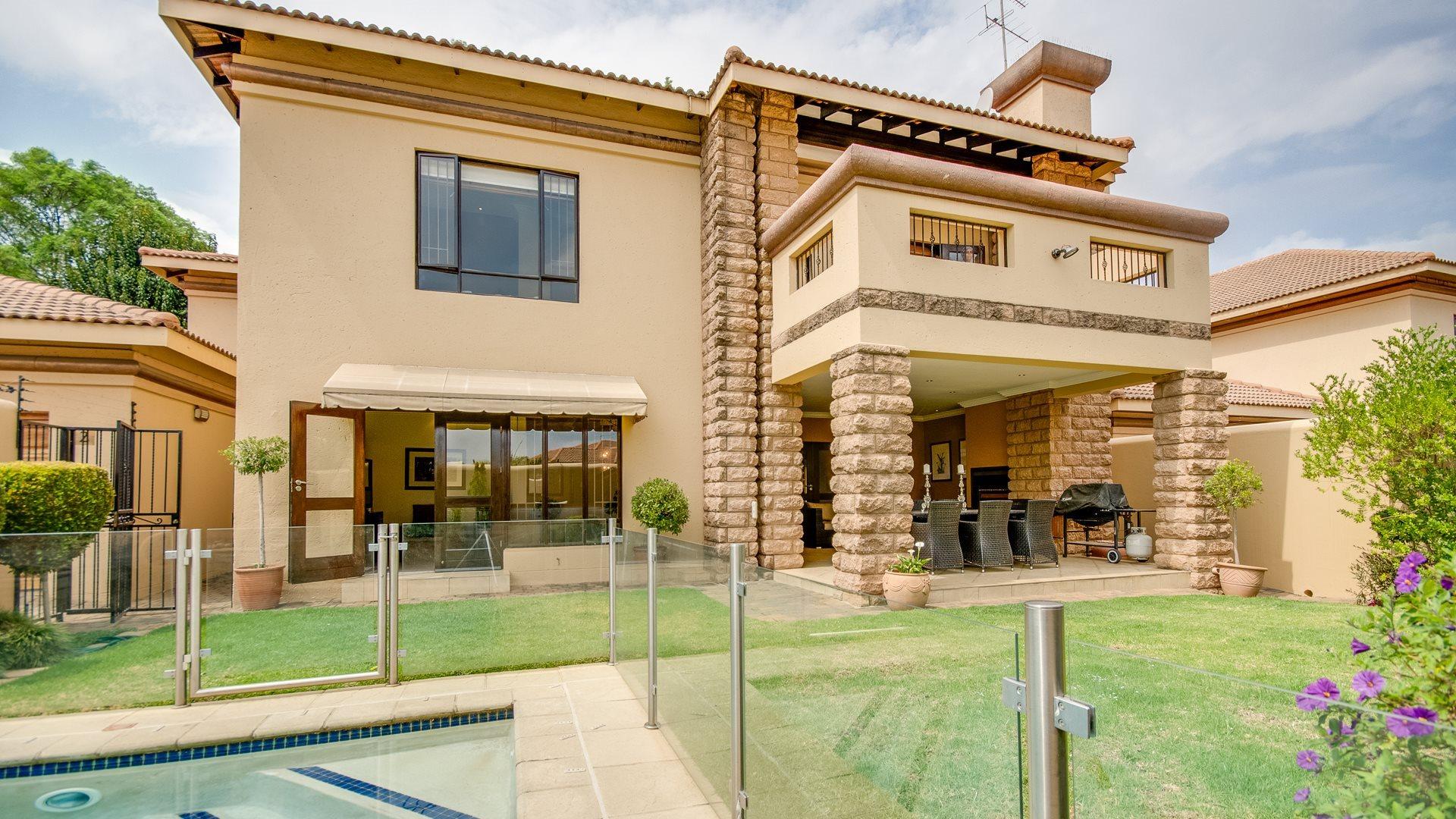 Johannesburg, Waverley Property  | Houses For Sale Waverley, Waverley, House 3 bedrooms property for sale Price:5,699,000