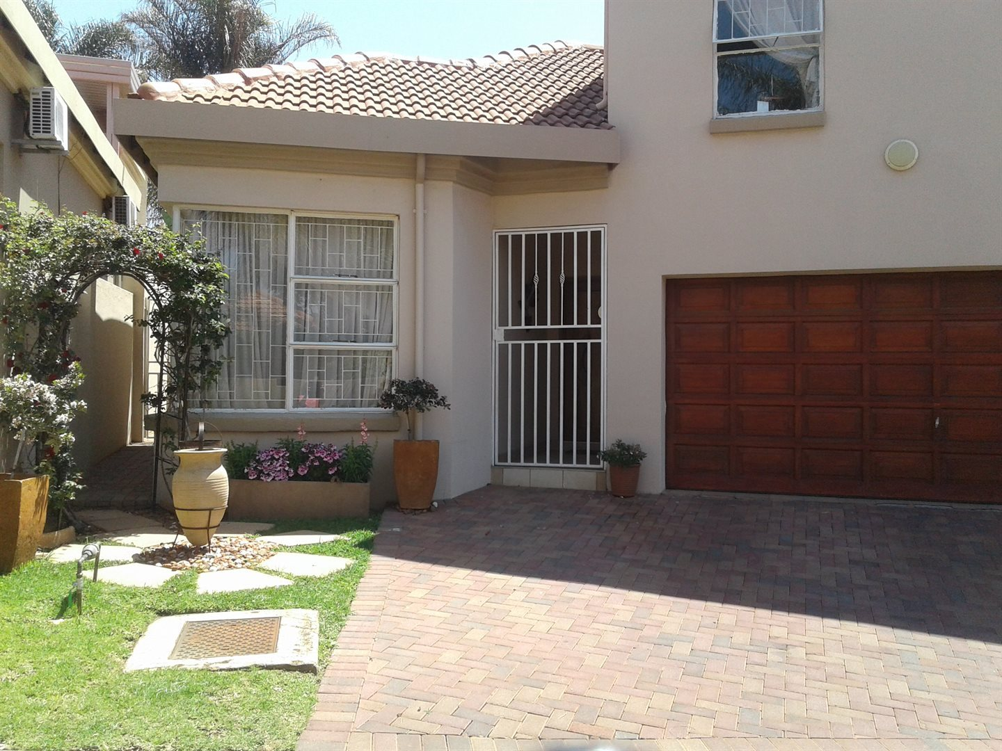 Property and Houses for sale in Rietvalleirand, House, 3 Bedrooms - ZAR 1,610,000
