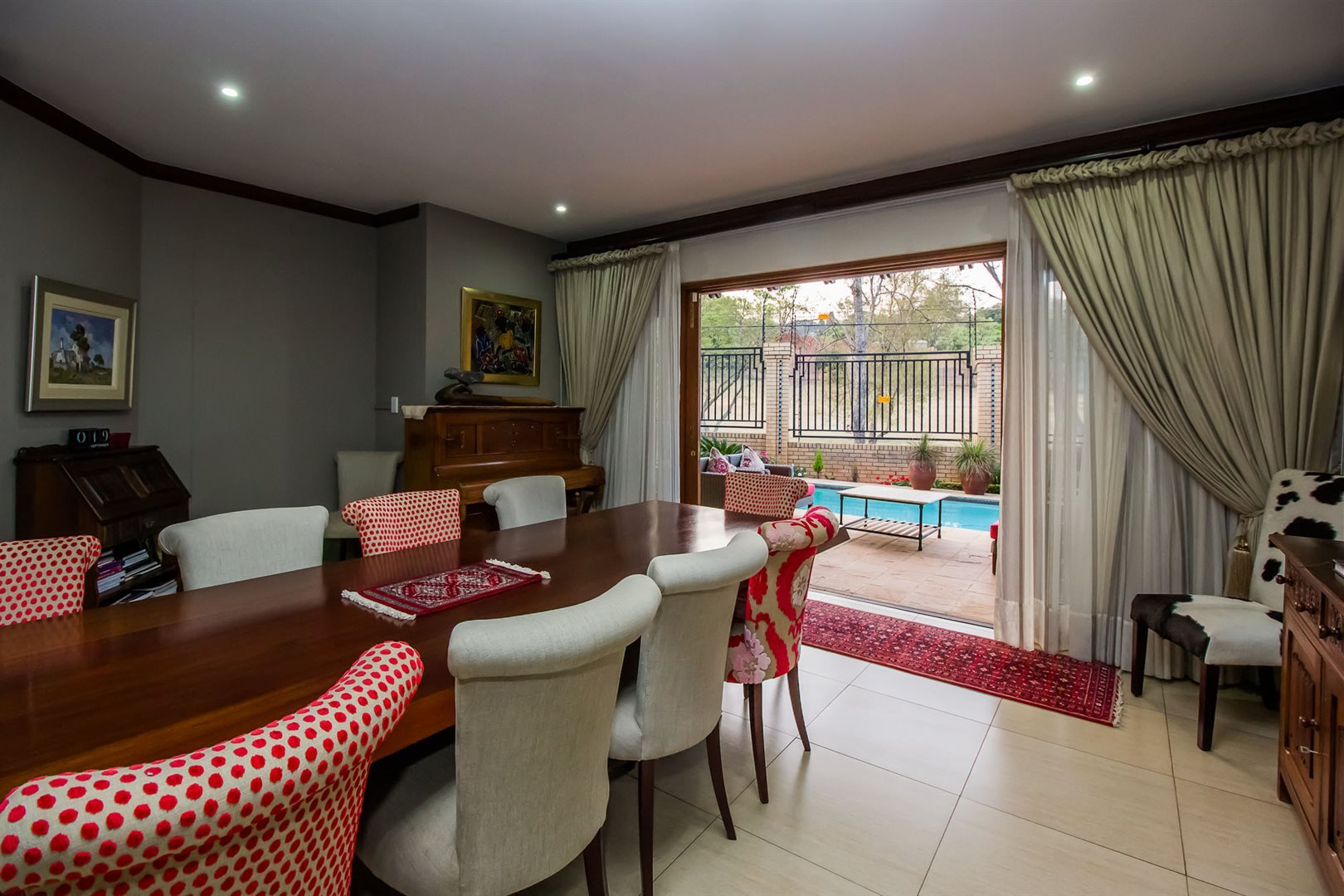 Waterkloof Ridge property for sale. Ref No: 13535230. Picture no 7