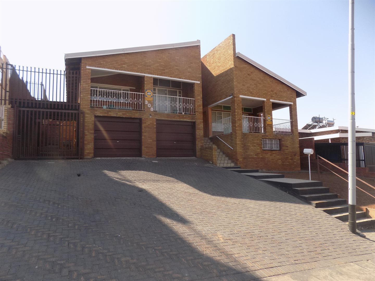 Laudium property for sale. Ref No: 13520957. Picture no 1