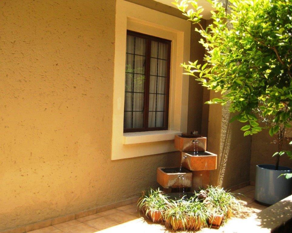 Irene property for sale. Ref No: 13400112. Picture no 16
