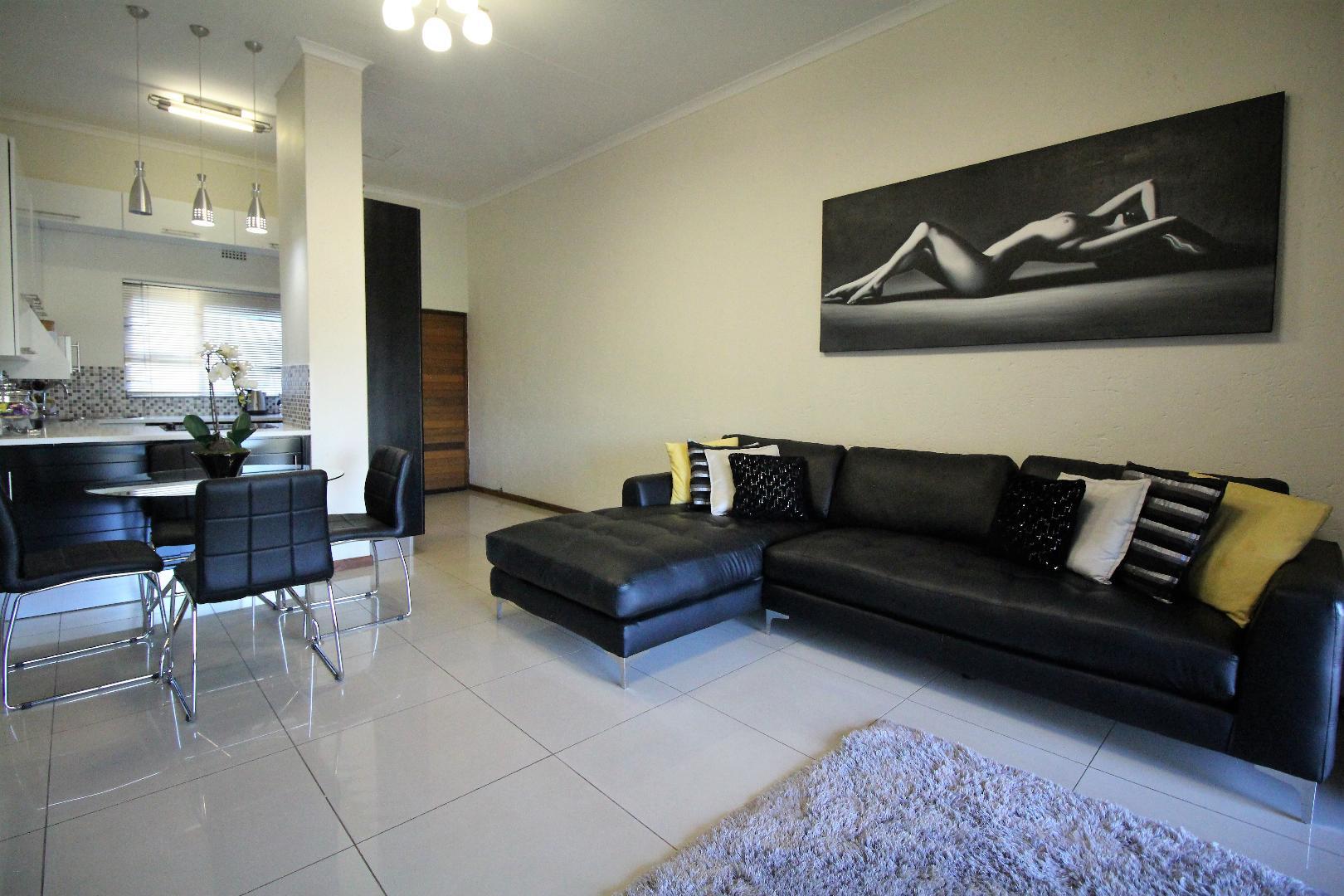 Glenvista property for sale. Ref No: 13493928. Picture no 2
