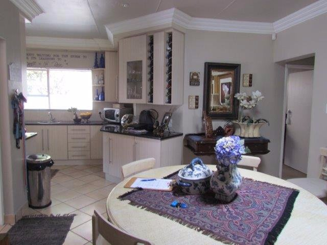 Rietvalleirand property for sale. Ref No: 13530241. Picture no 5