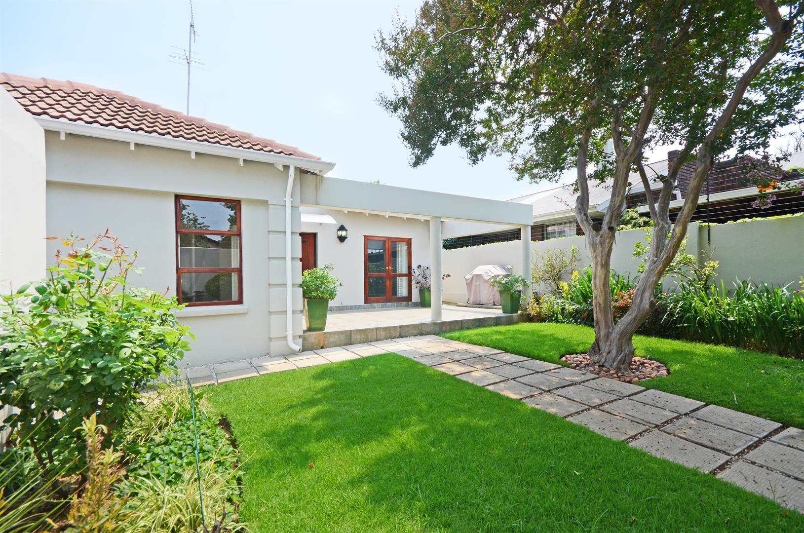 Johannesburg, Parkhurst Property    Houses For Sale Parkhurst, Parkhurst, House 4 bedrooms property for sale Price:3,290,000