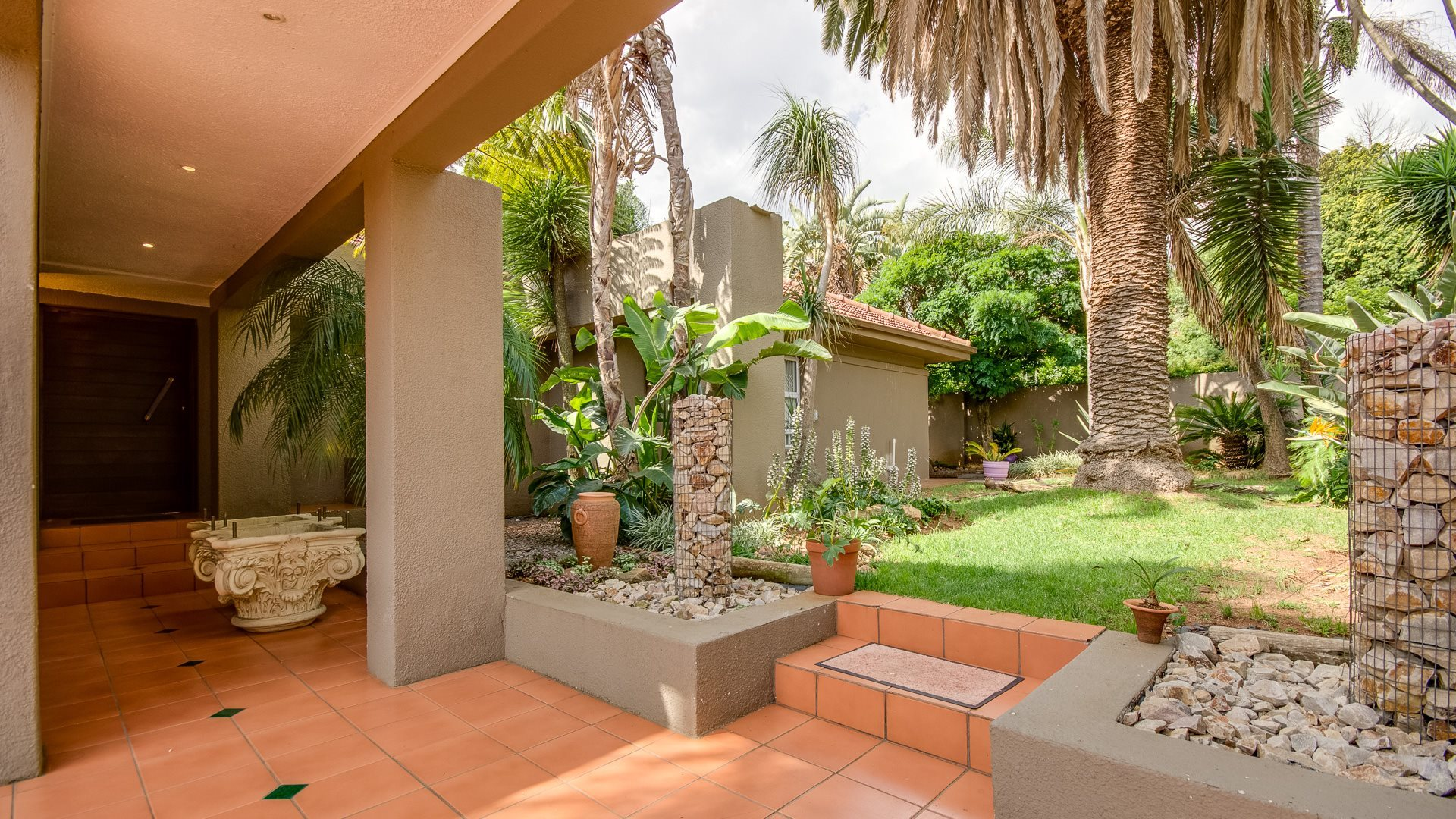 Johannesburg, Highlands North Property    Houses For Sale Highlands North, Highlands North, House 3 bedrooms property for sale Price:2,995,000