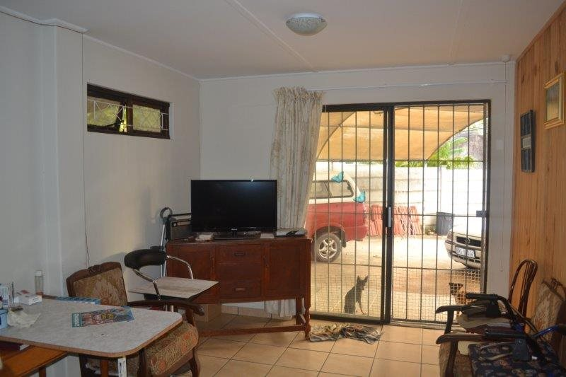 Uvongo property for sale. Ref No: 13229892. Picture no 12