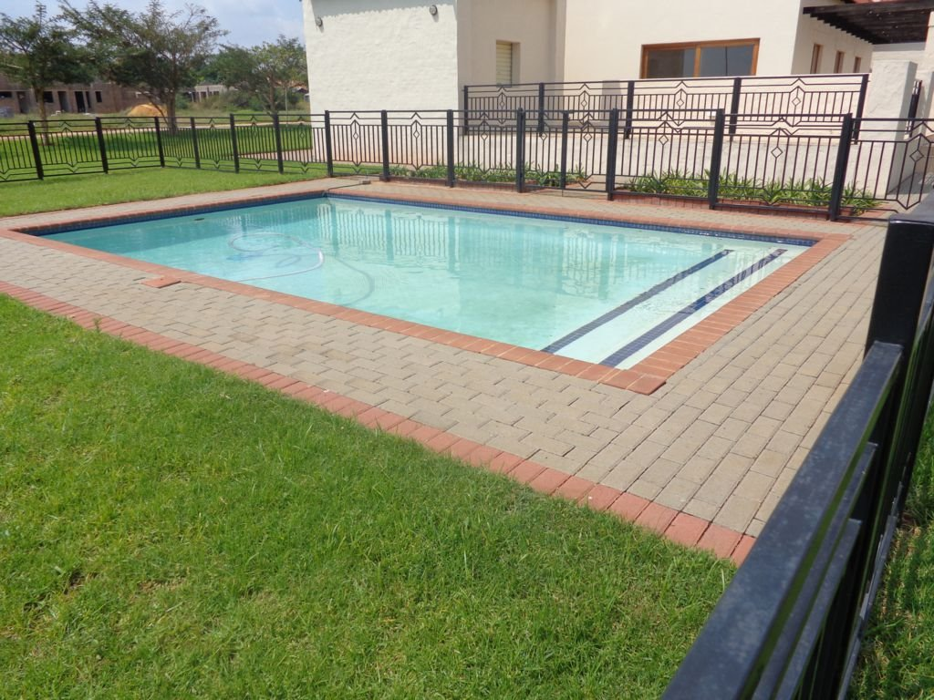 Irene property for sale. Ref No: 13395278. Picture no 8