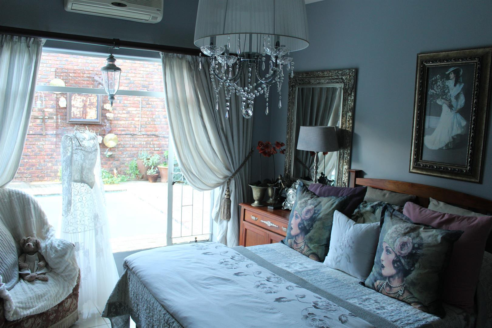 Suid Dorp property for sale. Ref No: 13460528. Picture no 7